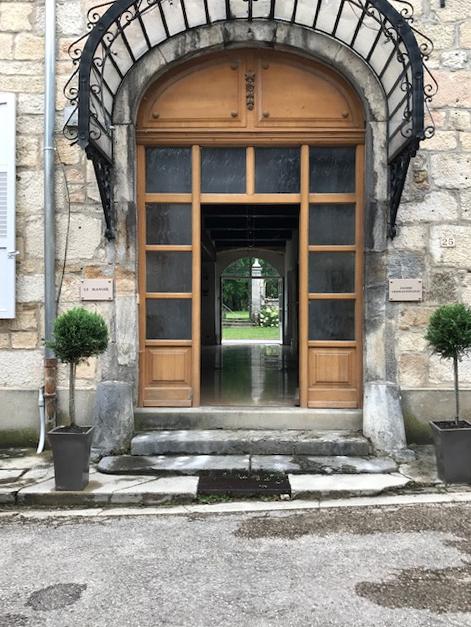 Entrée, Manoir mouthier-Haute-Pierre